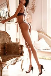 Mayfair escort Tallina