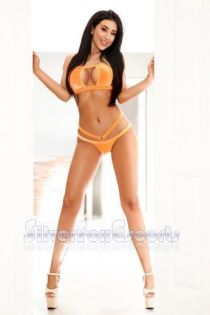 Alicia 24 years old girl