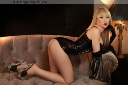 Chelsea escort Adelly